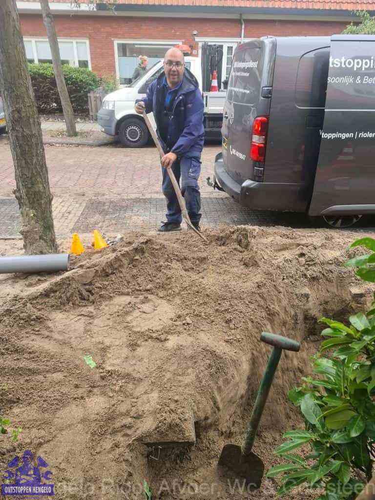 Riool ontstoppen Hengelo graven